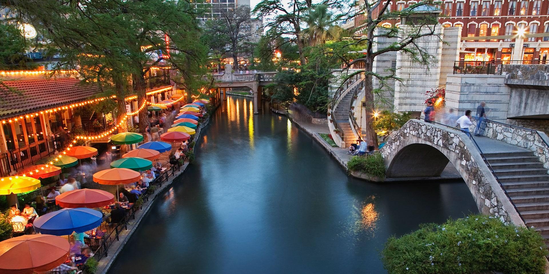 San Antonio Riverwalk Christmas.Stroll The Past Present And Future Along San Antonio S